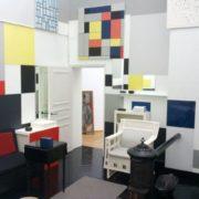 Reconstructie-van-het-atelier-van-Piet-Mondriaan-26-rue-du-Départ-door-Frans-Postma